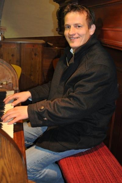Organist Hannes Wieser