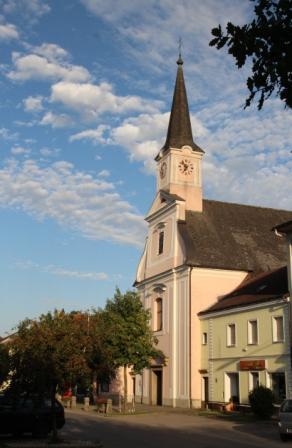 Kirchenansicht Hauptstraße Blindenmarkt