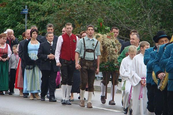 Prozession zu Erntedank 2012