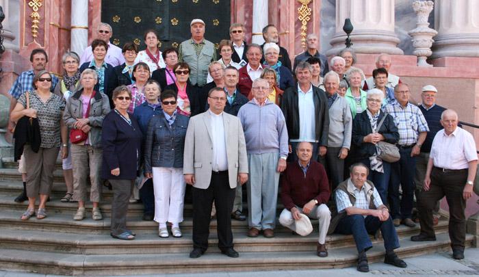 Reisegruppe vor Heiligelinde