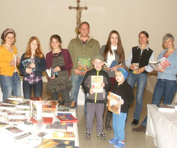 Bücherfreaks bei der Ausstellung